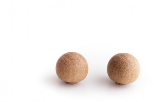 Wooden Knobs in Oak