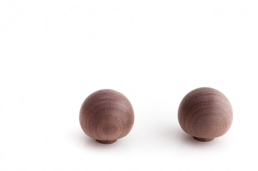 Wooden Knobs in Wallnut